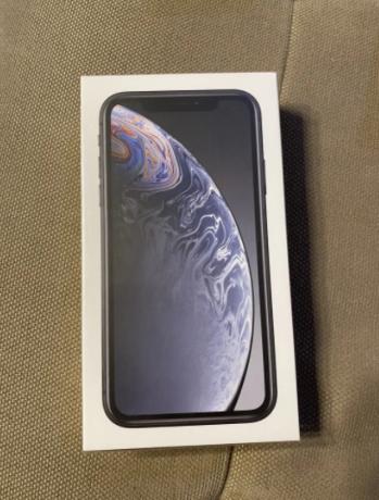 iphone-xr-64-gbblacksigilatneverlocked-big-0
