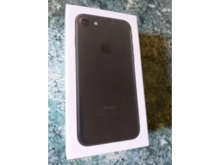 IPhone 7 32GB 2GB RAM black matte (nou-sigilat) in garantie