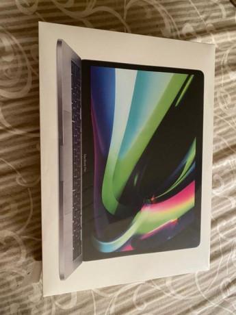 vand-macbook-pro-2020-m1-sigilat-16gb-ram-1tb-hard-big-0