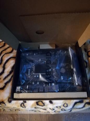 placa-de-baza-gigabyte-h310m-s2h-socket-1151-v2-h310m-s2h-sigilat-big-1
