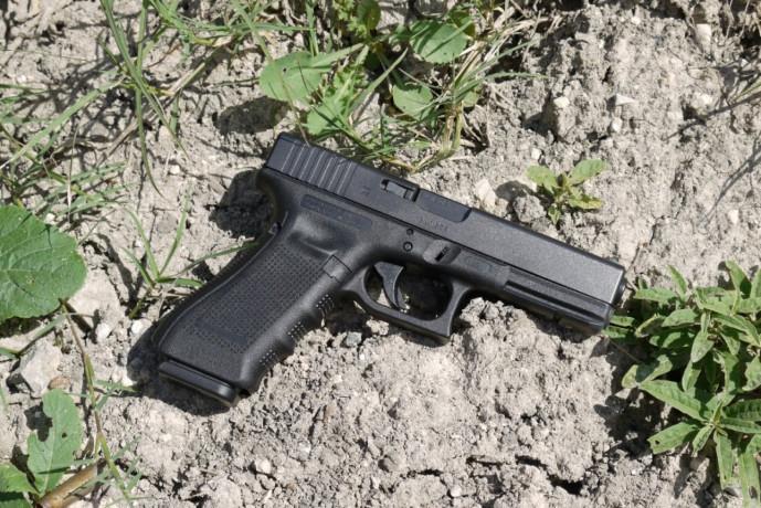 pistol-airsoft-metaliccelebrul-glock-19calibru-6mm500-bile-incluse-big-1