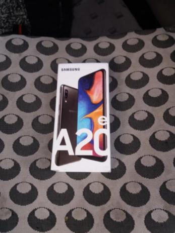 telefon-samsung-a-20-sigilat-big-0